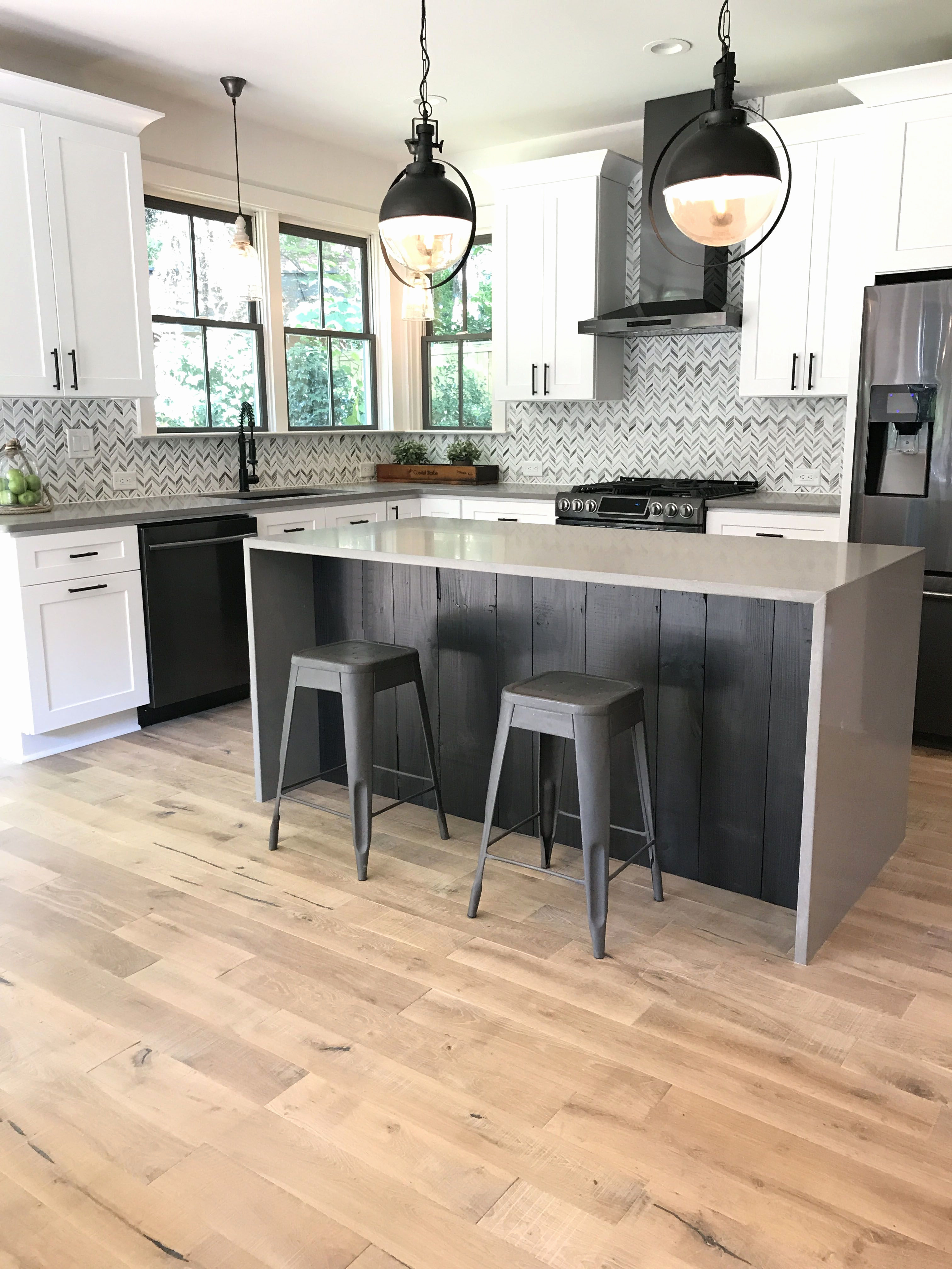 white kitchen with grey hardwood floors of pictures of laminate flooring in kitchen beautiful laminate flooring intended for pictures of laminate flooring in kitchen awesome remodel home storehouse planks drum white oak kitchen hardwood